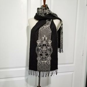 Accessories - Cashmere Wool Blend Black Fringed Scarf Medallion